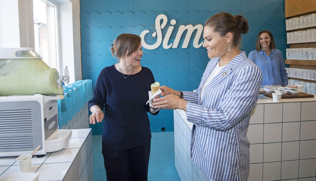 Fredrika Gullfat and he Crown Princess Victoria at Simris Alg